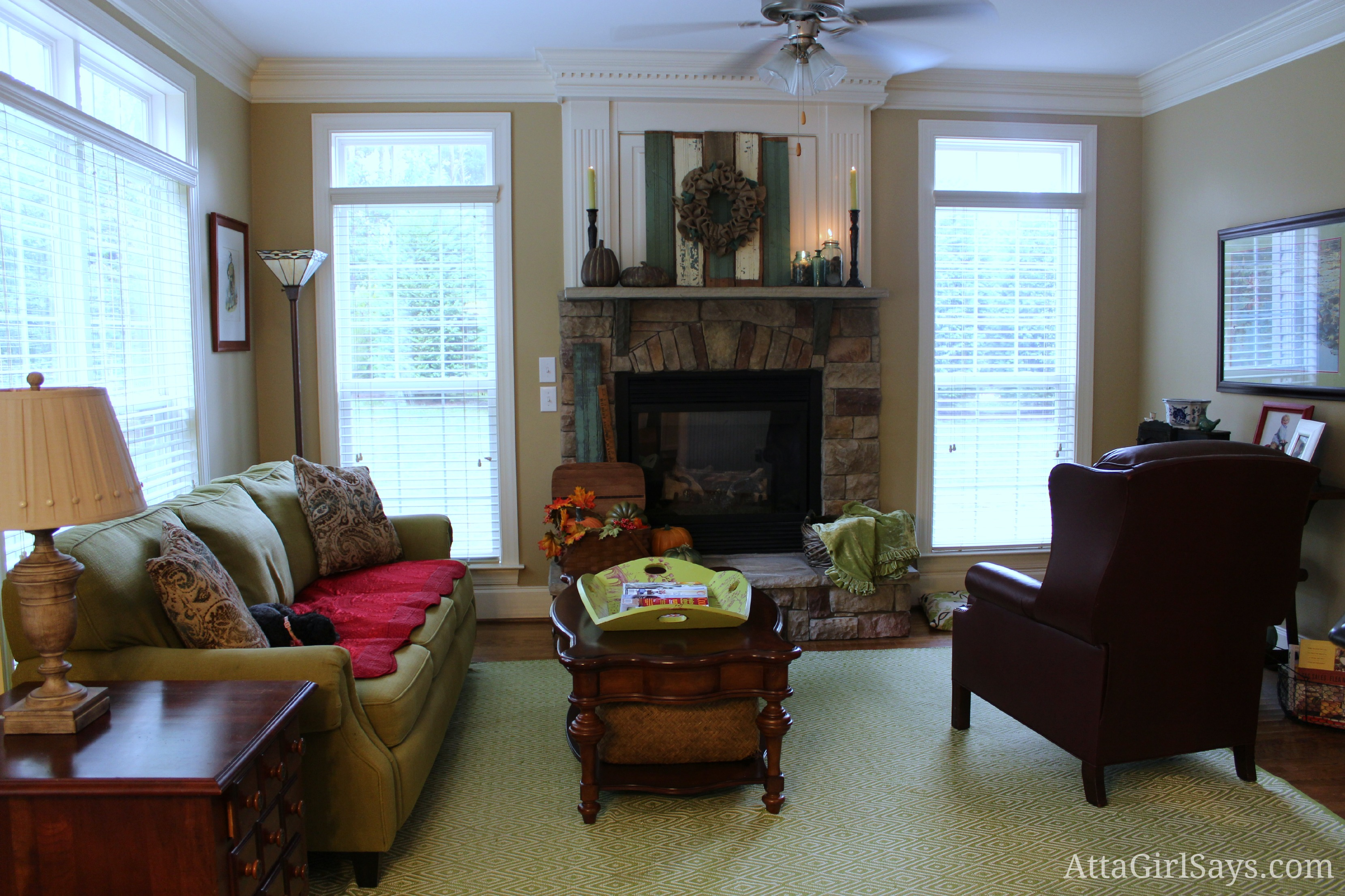 Rustic recycled natural fall fireplace mantel ideas for Keeping room ideas