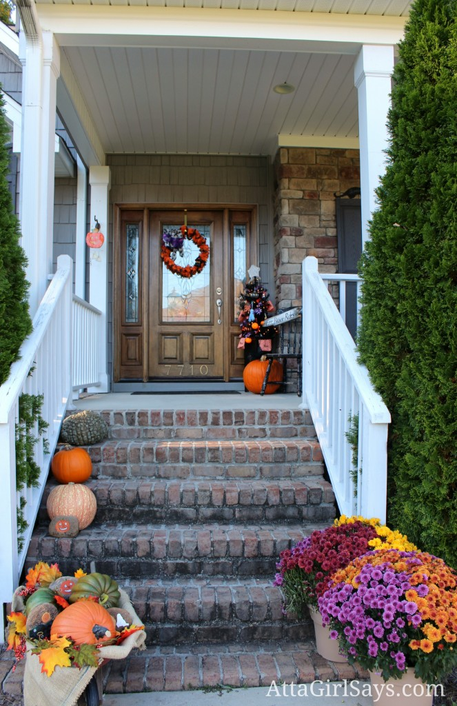 Fall Halloween Porch Decor AttaGirlSays.com