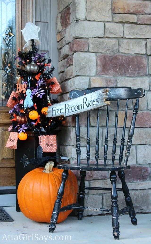Fun & Festive Halloween Porch Decorating Ideas