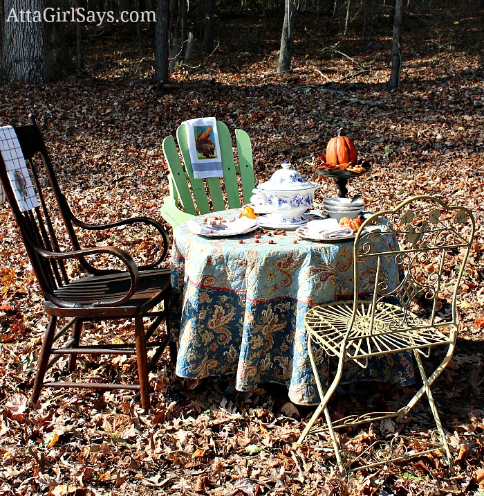 Outdoor Thanksgiving Feast by AttaGirlSays.com