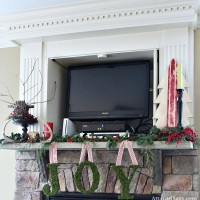 Christmas House Tour 2012: The Keeping Room and My Keeping It Real Holiday Mantel
