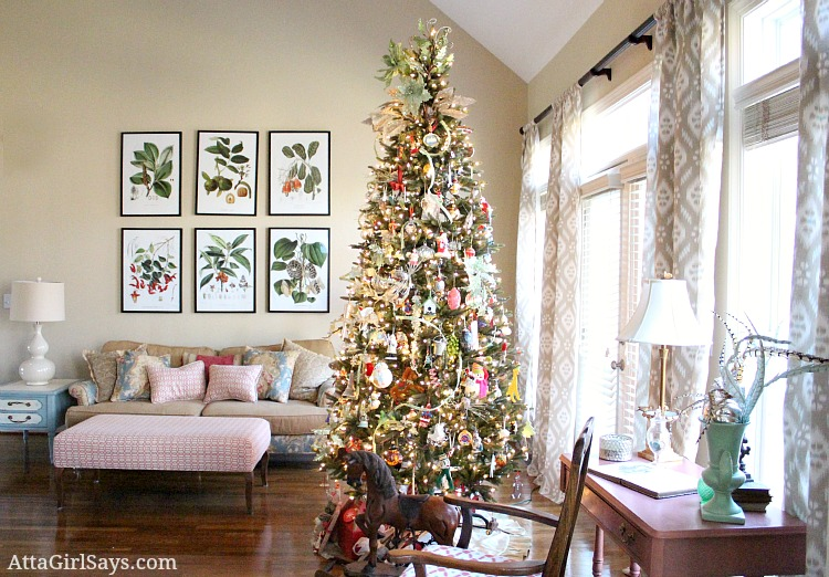 christmas house tour 2012 our living room christmas tree decorated with memories atta girl says. Black Bedroom Furniture Sets. Home Design Ideas