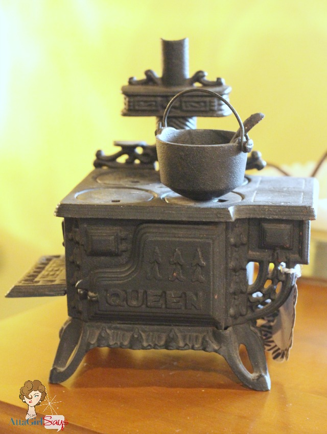 Salesman Sample Queen Cast Iron Stove
