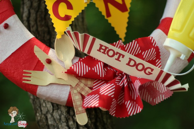 AttaGirlSays.com: Picnic Wreath