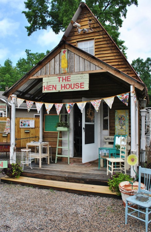 The Hen House  at SuzAnna's Antiques in Raleigh