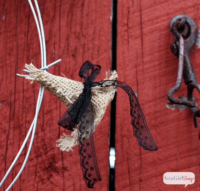 How to Make a Burlap Witch Hat Halloween Wreath