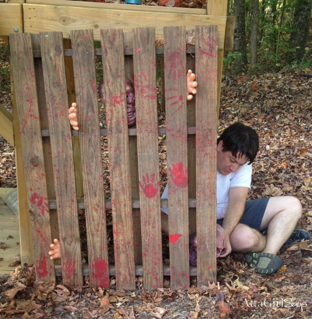 Walking Dead Halloween Decorations: Hershel's Barn Pallet