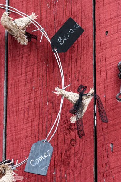 How to Make a No-Sew Burlap Witches Hat Barbed Wire Halloween Wreath