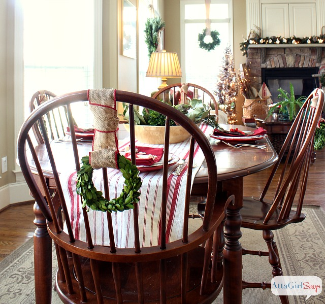 2013 Christmas House Tour: Hundreds Of Holiday Decorating