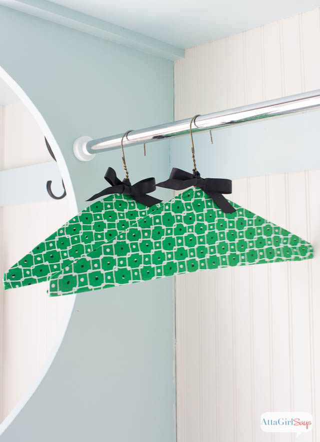 No-Sew Fabric Covered Clothes Hangers
