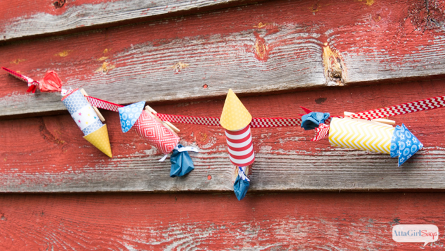 4th of July Decorations: Patriotic Firecracker Bunting