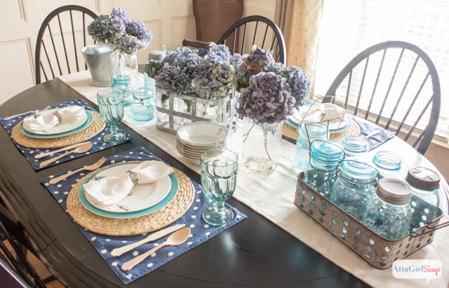 Who Says Fall Decorating Has To Include Pumpkins And The Color Orange? This Dining  Table