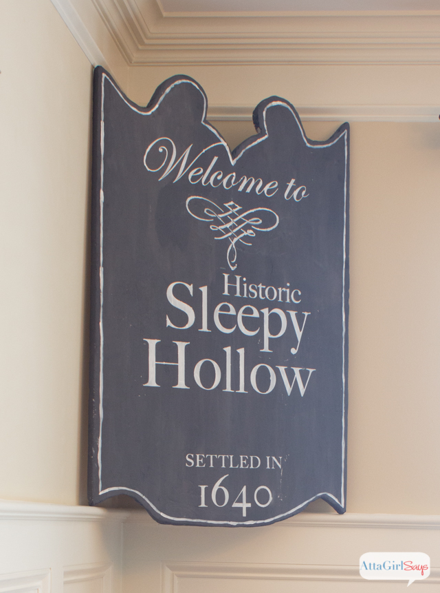 sleepy-hollow-halloween-decorations-5