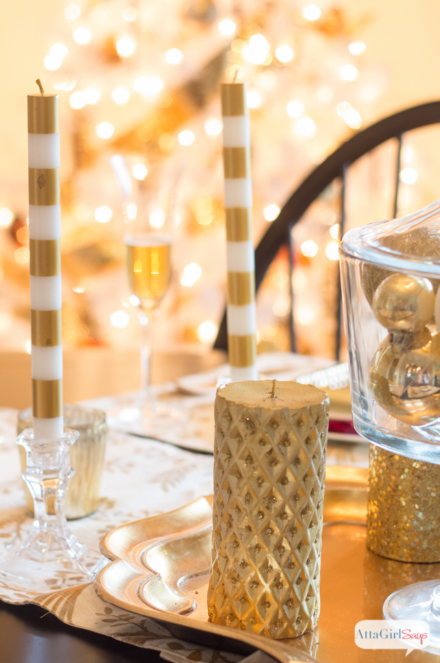 It's definitely a golden Christmas in the dining room.