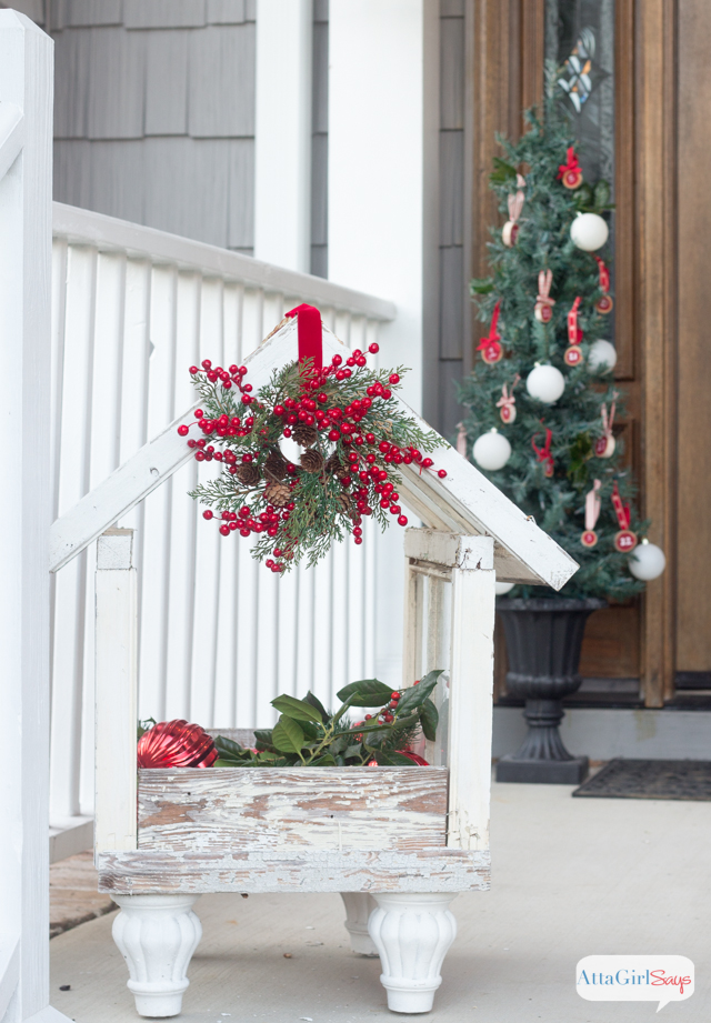 Vintage Inspired Christmas Porch Decorations Atta Girl Says - Christmas porch decorating ideas