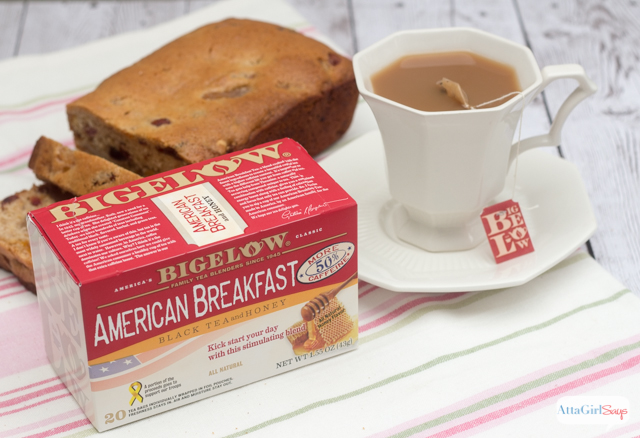 Looking for some quick and easy breakfast ideas that will wake you up and jumpstart your day? Try out this recipe for a breakfast tea and greek yogurt smoothie and pair it with homemade fruity tea loaf.