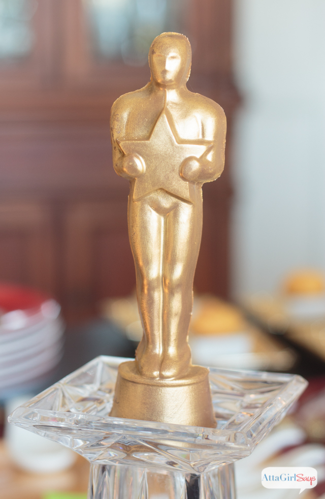 Celebrate like the stars with these Oscar party ideas featuring food and decor from World Market. This Oscars party is all about glitz and glamour with a menu modeled after Wolfgang Puck's annual Governors Ball for the Academy Awards.