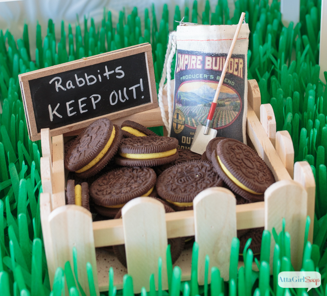 Easter Oreos at a Peter Rabbit Easter party