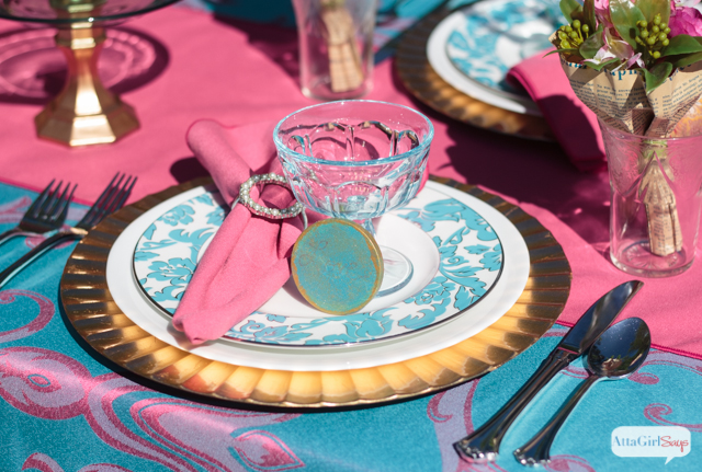 Pink and turquoise are the perfect color combination for a Mother's Day brunch, a spring luncheon or an outdoor wedding. #brightsettingshoa #spon #craftyhangouts