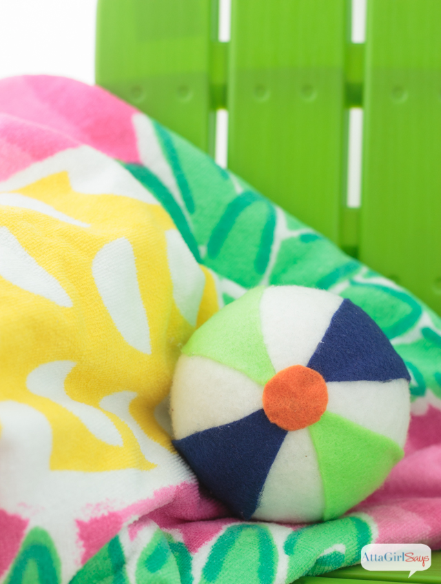 Throwing a beach-themed party?  Make some of these felt and foam beach balls to match the color scheme. #MakeItFunCrafts #spon
