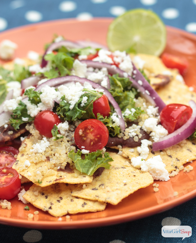Packed with protein and fresh flavors, you're going to love this healthy vegetarian twist on classic nachos. Click over for the easy nachos recipe.