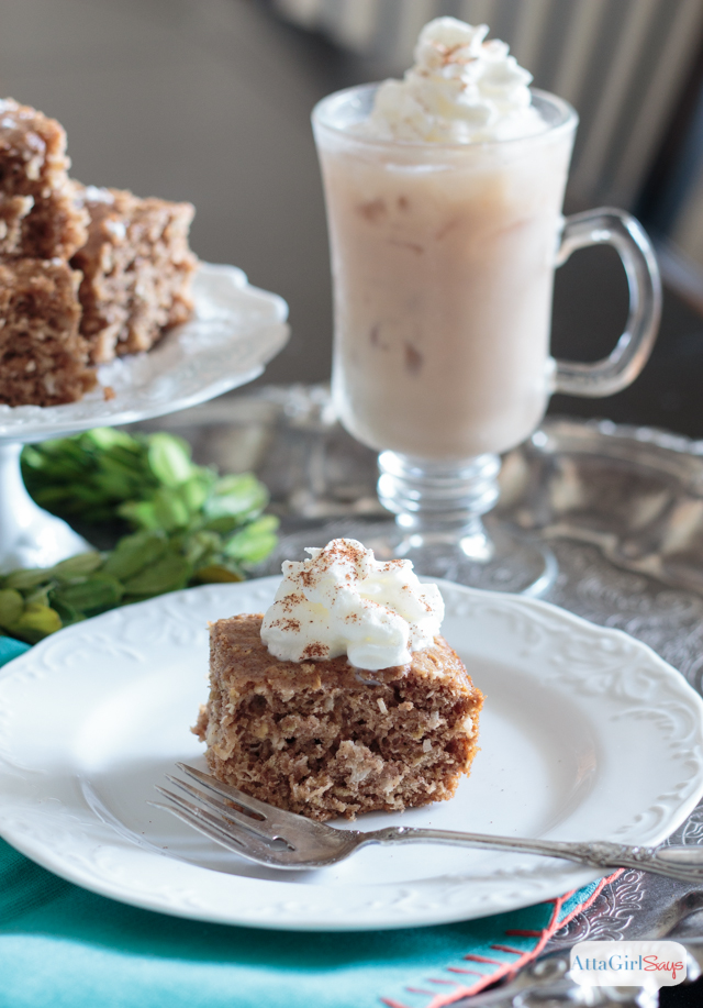 Try this chai tea cakes recipe for breakfast or when you need a sweet snack. Serve it with cinnamon-dusted whipped topping and an iced chai latte. #ad #IDelightIn10