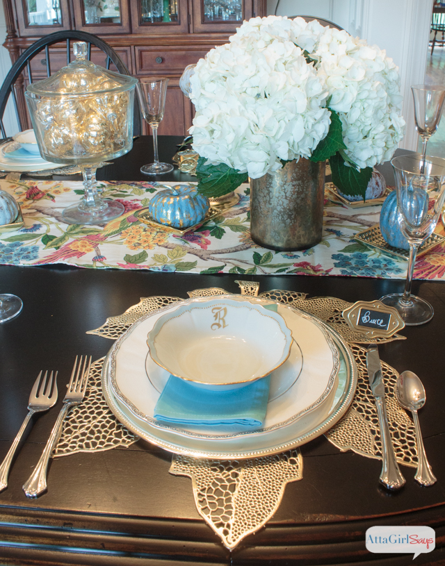Who says you have to go traditional with your season decor. I love decorating with metallics, so I combined them with blues and grays and even purple to create this fall tablescape.