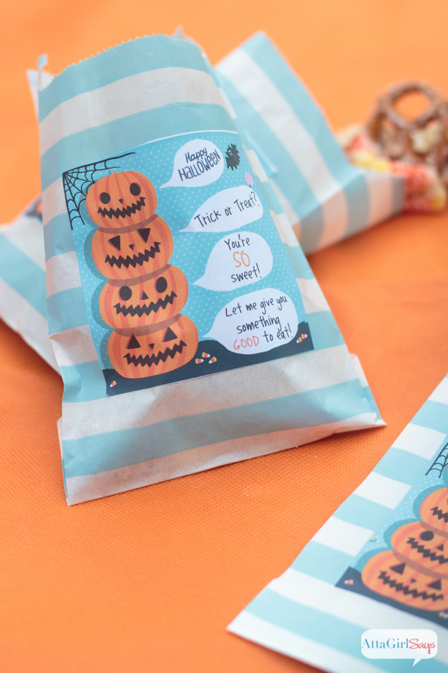 Can't wait to try this sweet Halloween party mix recipe . The printable labels are just the cutest! Instead of candy, you could send Halloween party guests home with some of this snack mix.