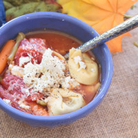 This quick and easy tortellini soup recipe tastes like it's been cooking all day. But it's ready in less 30 minutes. This hearty soup is great for chilly fall and winter days. #ad #cbias #YesYouCAN