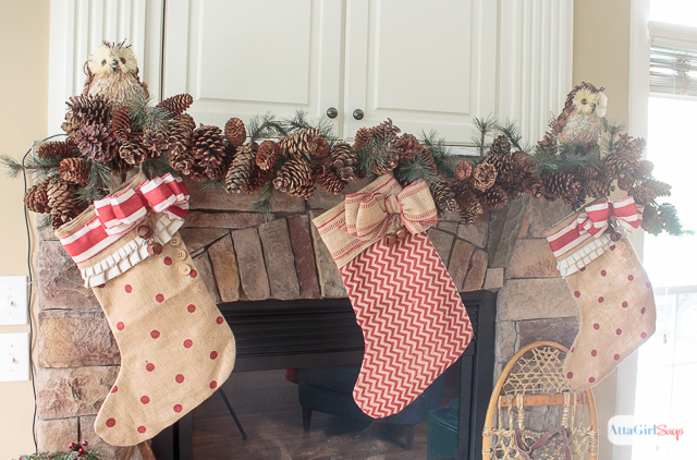 gorgeous vintage rustic christmas mantel decorations plus more christmas decorating ideas from other bloggers - Vintage Rustic Christmas Decorations