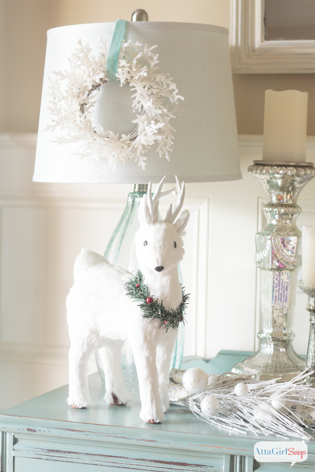 White christmas decorations winter wonderland vignette White christmas centerpieces