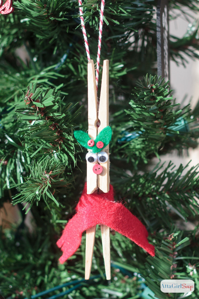 Christmas ornaments to make with your family for Family christmas ornaments to make