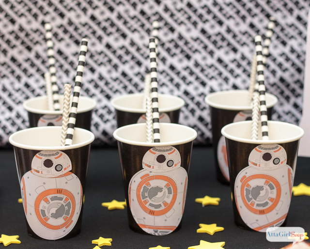 these bb 8 party cups - Star Wars Party Decorations