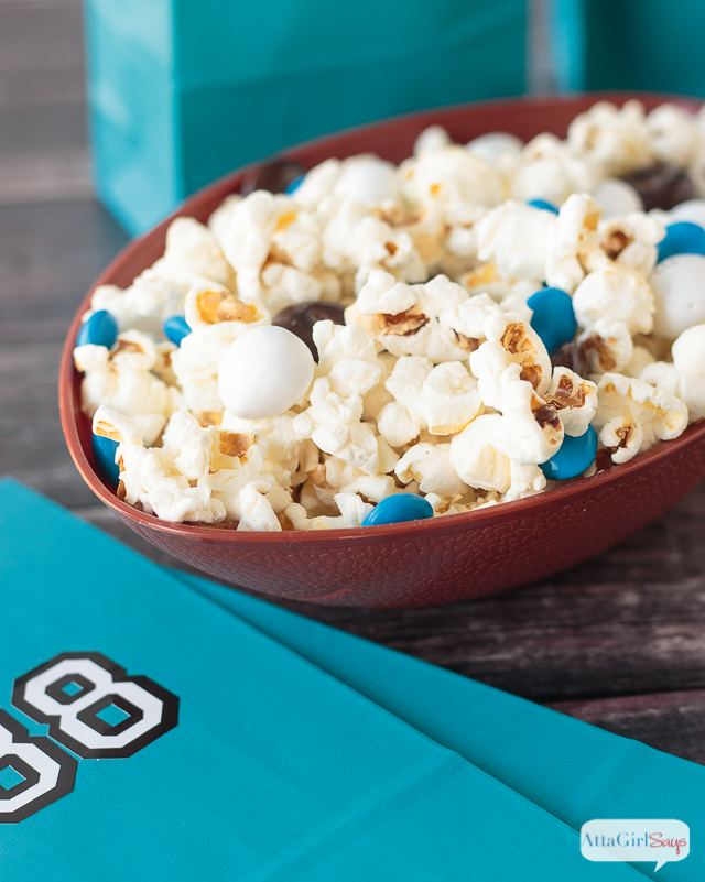 Game Day Food: Team Colors Popcorn Snack Mix