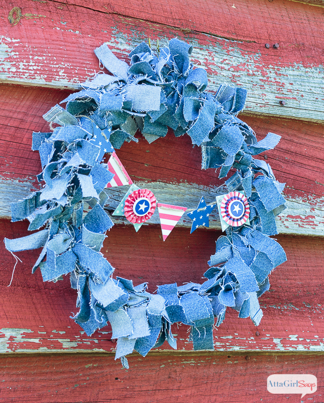 Use an old pair of blue jeans to make this easy patriotic denim rag wreath for July 4th.