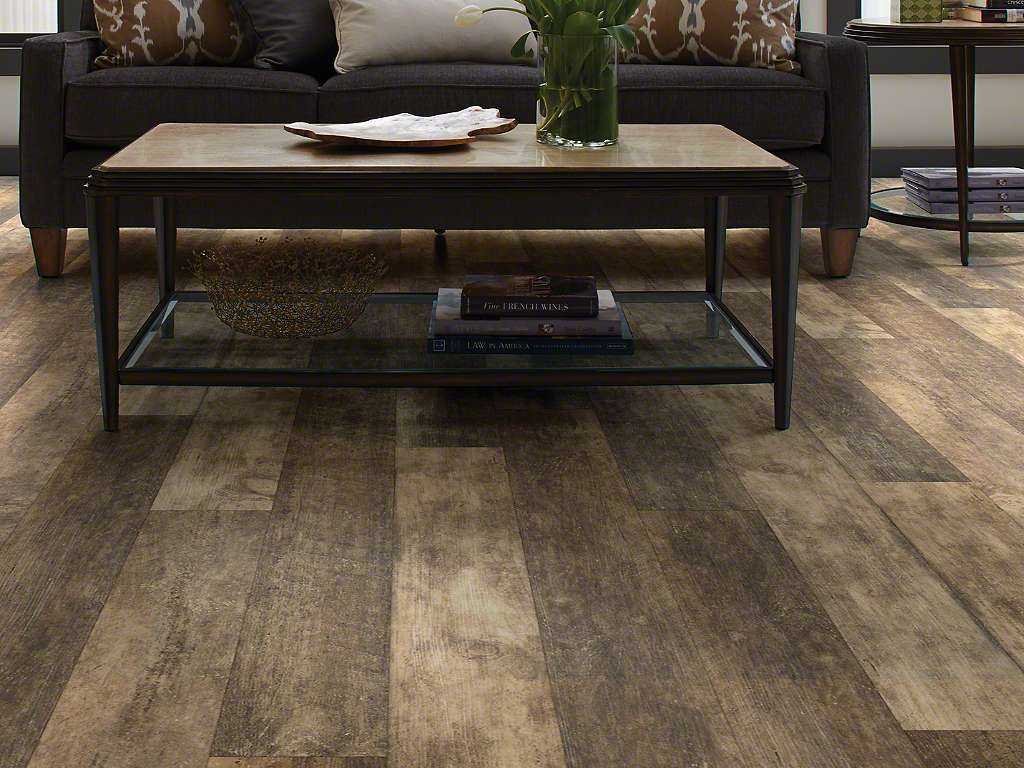 Farmhouse flooring ideas for every room in the house for Evp flooring