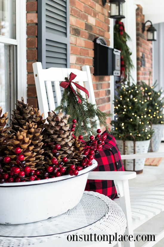 Simple Christmas Porch Decor