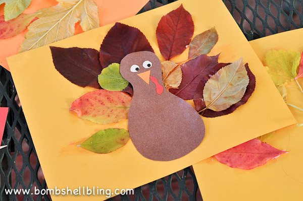 This leaf placemat is just one of the adorable Thanksgiving turkey crafts you can make with leaves. Click to find links and instructions for them all.