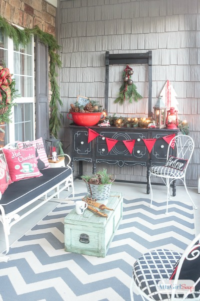 Lodge Inspired Front Porch Decorating Ideas for Christmas