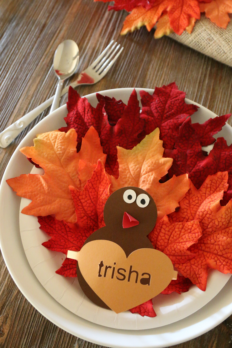 This place setting is just one of the adorable Thanksgiving turkey crafts you can make with leaves. Click to find links and instructions for them all.
