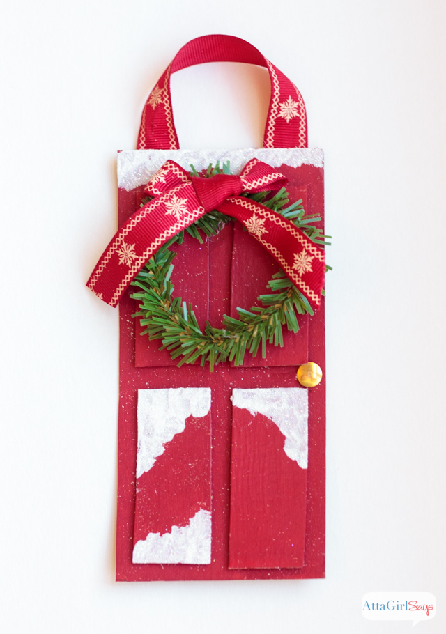 Make this red front door Christmas ornament for your tree in less than 15 minutes using office supplies!