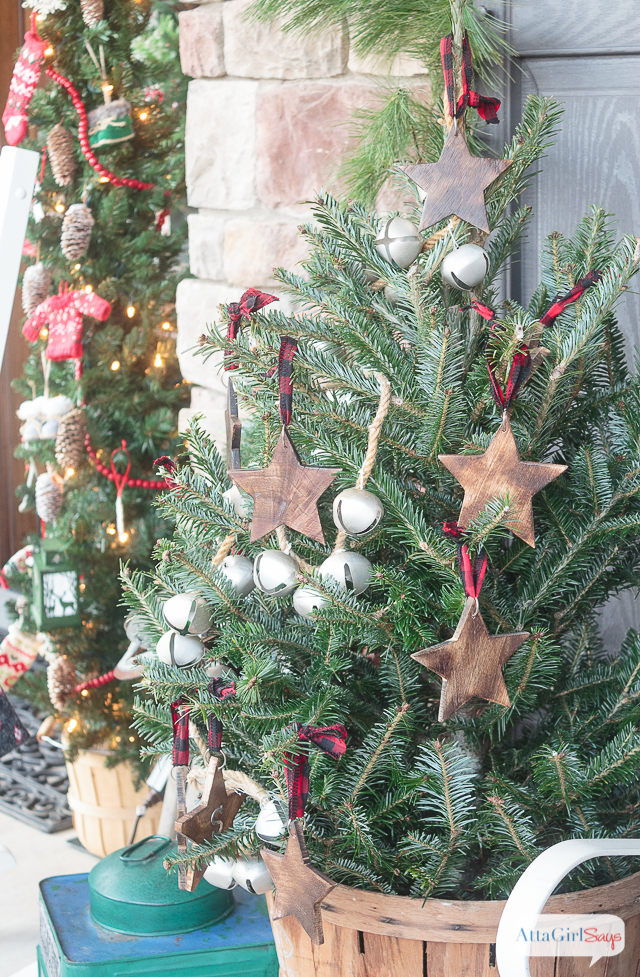 Front Porch Decorating Ideas Youll Want To Copy For Christmas