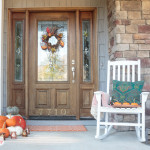 Dress up your front porch with these cozy Thanksgiving door decorations inspired by the harvest, crunchy leaves and cooler days. #sponsored #worldmarkettribe
