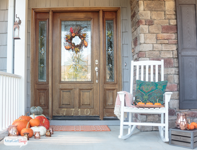 Cozy Thanksgiving Door Decorations