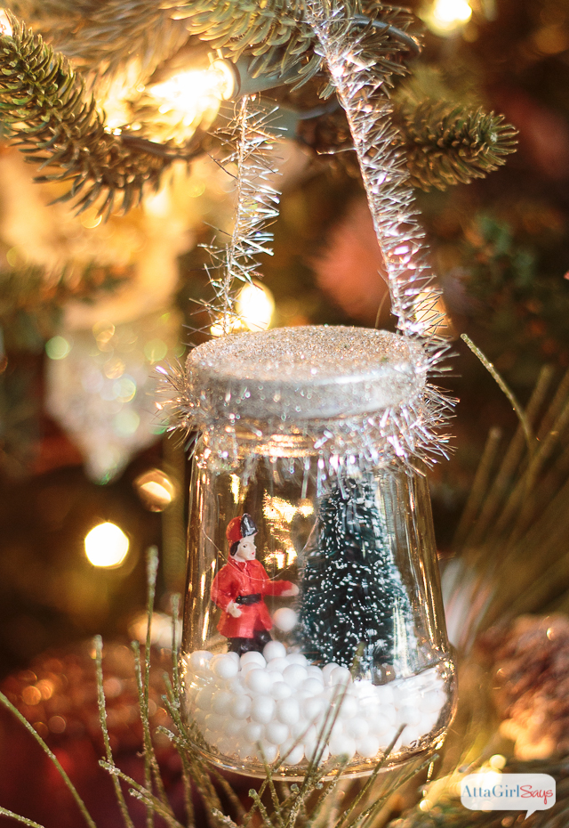 DIY Christmas Snow Globe Ornaments