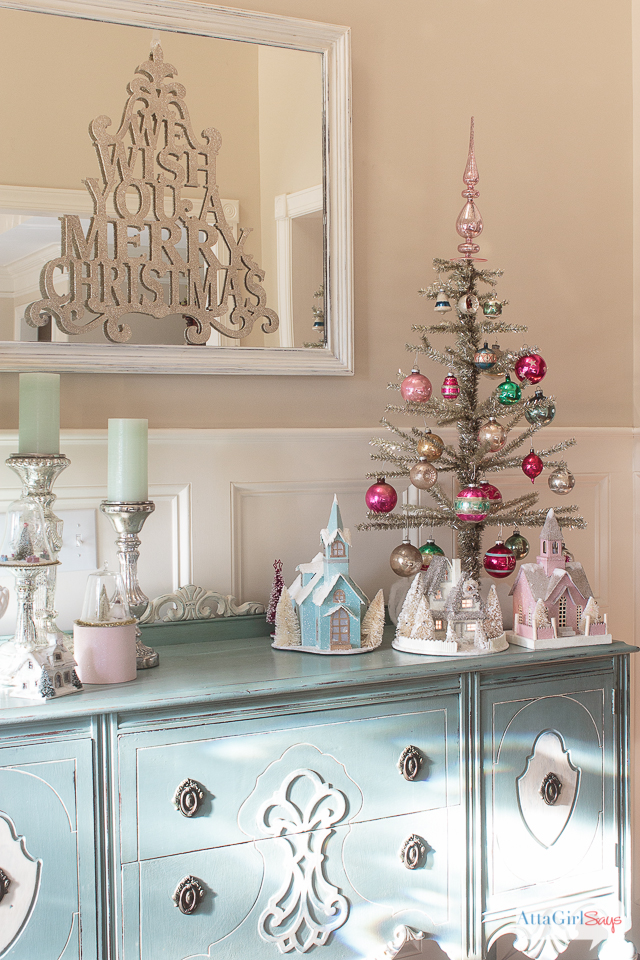 Whether your style is vintage glam, traditional, rustic or farmhouse, you'll find plenty of holiday decorating ideas to inspire you as you tour this lovely home decorated for Christmas. 2016 Holiday Home Tour at Atta Girl Says
