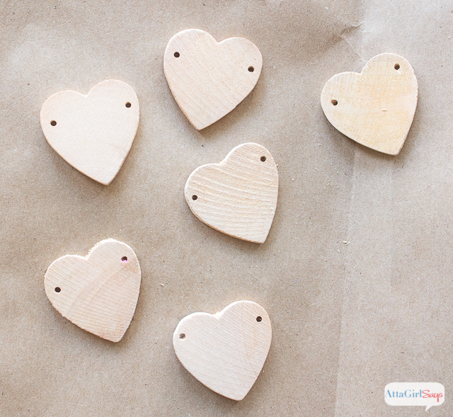 With these heart-shaped bottle charms, you'll never lose track of your beverage. They're an adorable decoration for milk-and-cookies party or a Valentine's Day brunch.