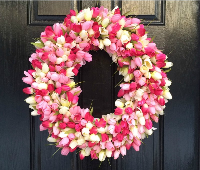 Colorful Spring Wreaths to Dress Up Your Front Door