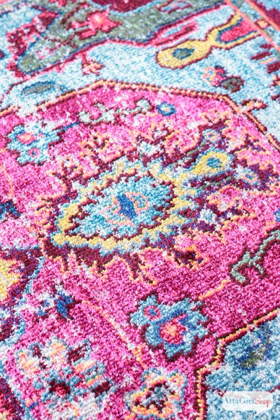 10 Boldly Colorful Vintage Area Rugs