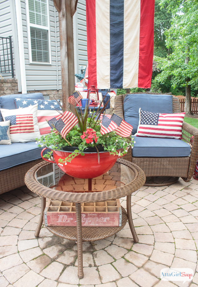 Vintage americana decor for july 4th atta girl says 25 for Americana decoration